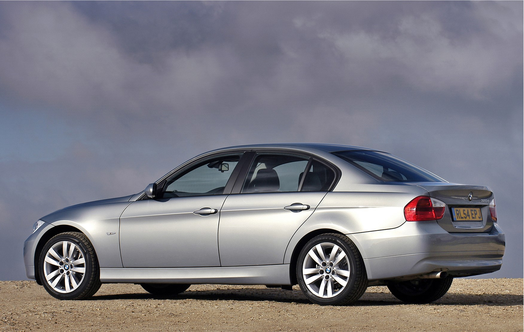 bmw 3 series saloon review