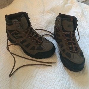 rugged outback hiking boots review