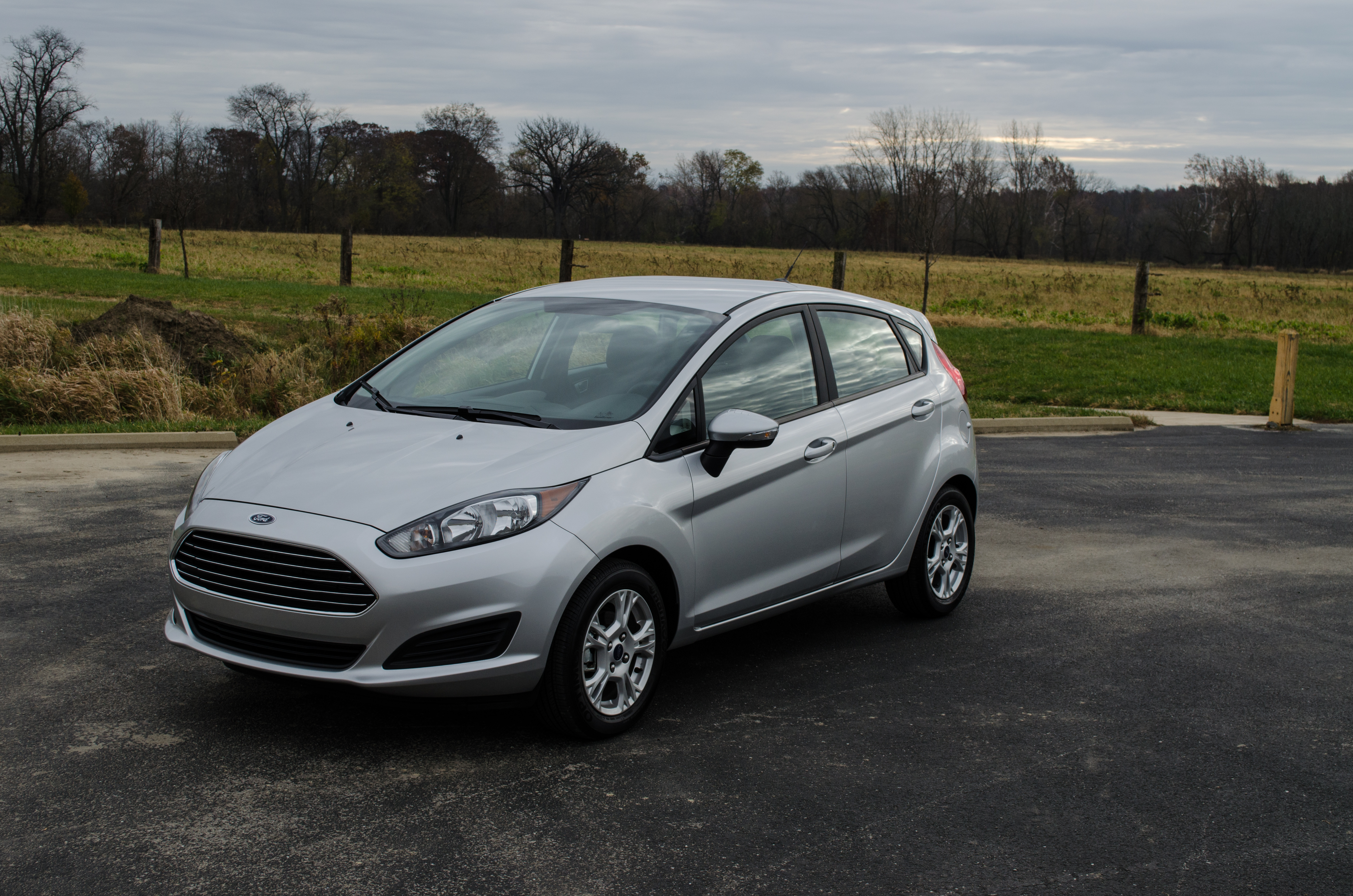 2014 ford fiesta se review