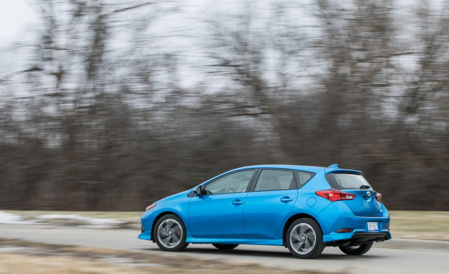2018 toyota corolla im review
