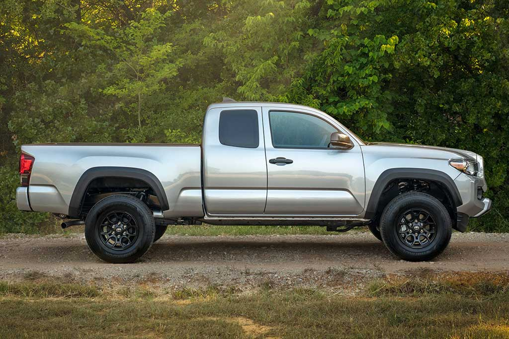 toyota tacoma 4 cylinder review 4x4