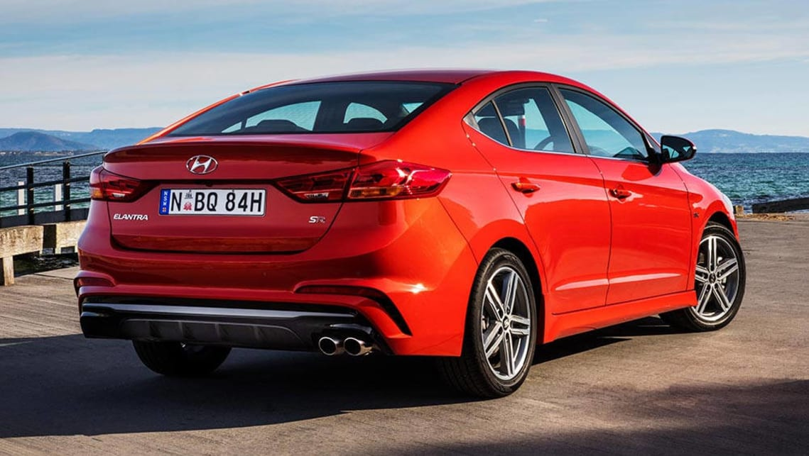 2016 hyundai elantra se review