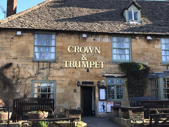 crown and trumpet inn broadway reviews
