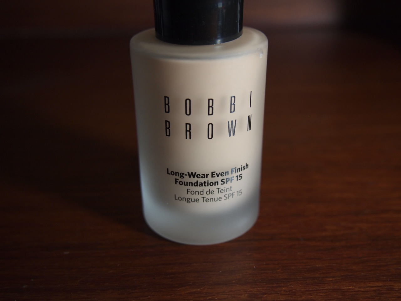 bobbi brown illuminating face base review