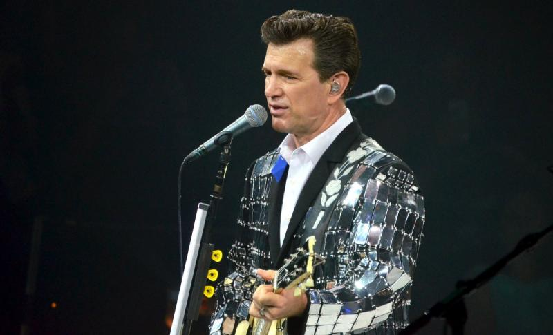 chris isaak concert reviews 2017
