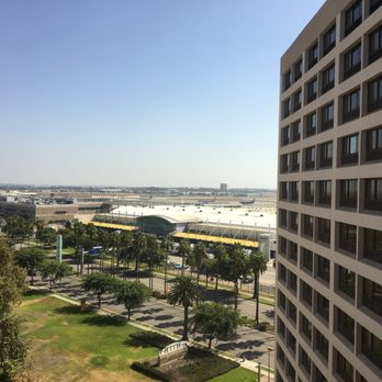 crowne plaza hotel lax reviews