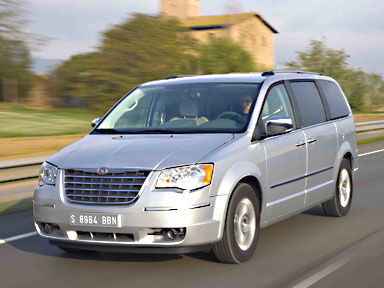 2009 chrysler town and country reviews
