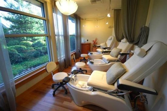 bourget inn and spa reviews