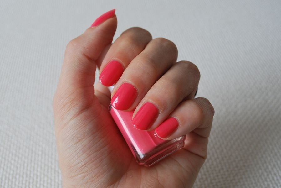 essie cute as a button review