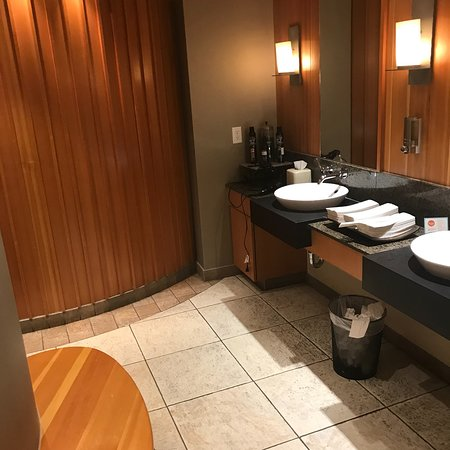 red earth spa banff reviews